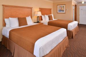 Premium Ocean Front Double Queen Room - Non-Smoking