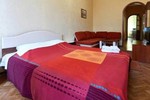 Home Hotel Apartments on Lva Tolstogo