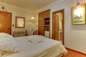 Luxury Double Room (2 Adults)
