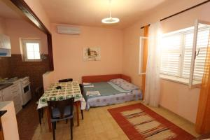 Apartments Antoneta, Apartmanok  Makarska - big - 68
