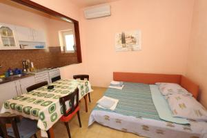 Apartments Antoneta, Apartmanok  Makarska - big - 71