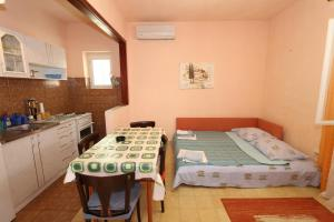 Apartments Antoneta, Apartmanok  Makarska - big - 45