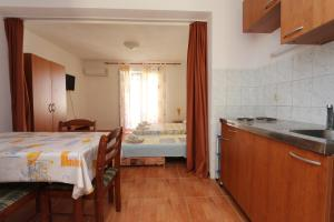 Apartments Antoneta, Apartmanok  Makarska - big - 12