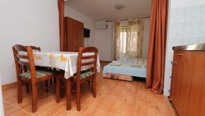 Apartments Antoneta, Apartmanok  Makarska - big - 10