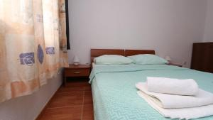 Apartments Antoneta, Apartmanok  Makarska - big - 8