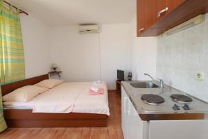Apartments Antoneta, Apartmanok  Makarska - big - 2