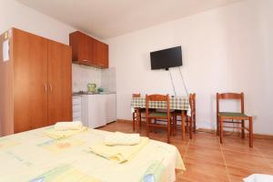 Apartments Antoneta, Apartmanok  Makarska - big - 51