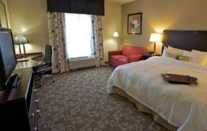 Queen Room with Two Queen Beds with Bath Tub - Mobility/Hearing Accessible - Non-Smoking