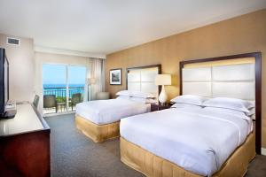 Deluxe Queen Room with Two Queen Beds with Ocean View