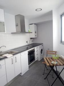 Charming Duplex, Apartmanok  Alicante - big - 2