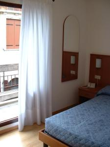 Double Room with French Bed and Terrace