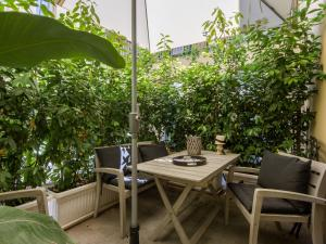 Santo Spirito Courtyard, Apartments  Florence - big - 23