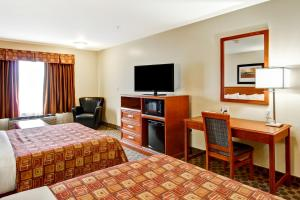Queen Room with Two Queen Beds and Sofa Bed