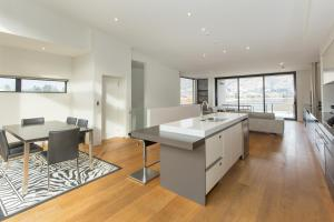 Lakeshore Springs Apartments, Apartmanok  Wanaka - big - 14