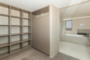 Lakeshore Springs Apartments, Apartmanok  Wanaka - big - 27