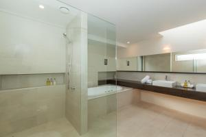 Lakeshore Springs Apartments, Apartmanok  Wanaka - big - 29