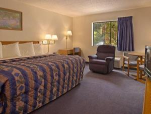 King Room - Handicap Accessible