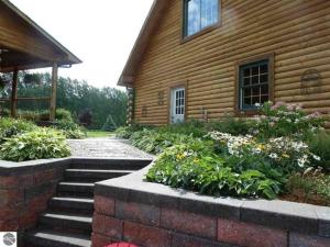 A Breath of Heaven B&B, Bed & Breakfast  Traverse City - big - 42