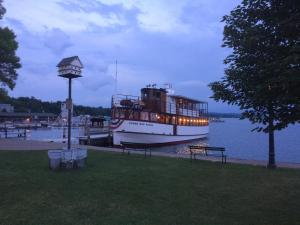 Lady of the Lake, Bed and Breakfasts  Skaneateles - big - 38