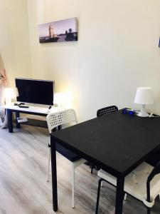 Excellent 2 bedroom apartment in Lisbon, Apartmány  Lisabon - big - 11