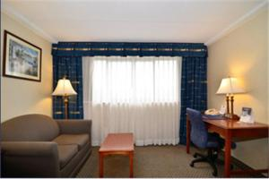 Best Western PLUS Tacoma Dome Hotel, Hotels  Tacoma - big - 11