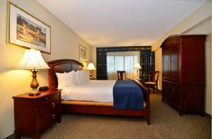 Best Western PLUS Tacoma Dome Hotel, Hotels  Tacoma - big - 9