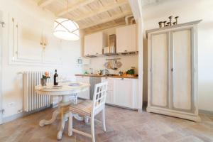 Charming loft near Ponte Vecchio, Apartments  Florence - big - 1