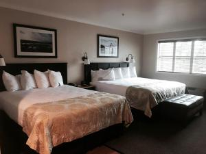 Deluxe Room with King Bed and Queen Bed - Sofabed - Non Smoking