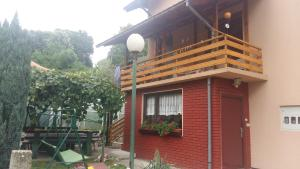 Guesthouse Irac, Affittacamere  Tuzla - big - 1