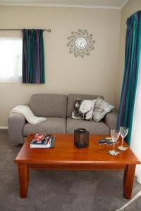 Martinborough Experience B&B, Bed & Breakfast  Martinborough  - big - 10