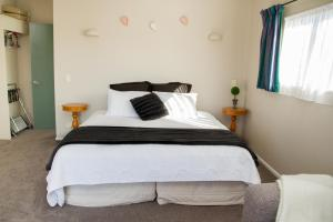 Martinborough Experience B&B, Bed & Breakfast  Martinborough  - big - 11