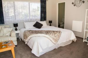 Martinborough Experience B&B, Bed & Breakfast  Martinborough  - big - 7