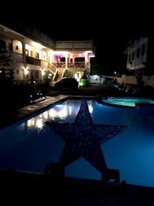 Stardust Beach Hotel, Hotels  Lian - big - 13