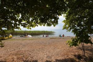NEW Ohrid Lagadin Apartment by the lake, Apartmány  Lagadin - big - 6