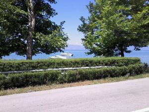 NEW Ohrid Lagadin Apartment by the lake, Apartmány  Lagadin - big - 2