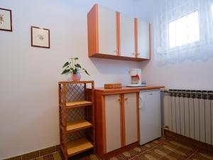 One-Bedroom Apartment in Pula/Istrien 17400, Ferienwohnungen  Veruda - big - 12