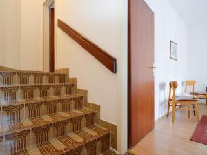 One-Bedroom Apartment in Pula/Istrien 17400, Appartamenti  Veruda - big - 11