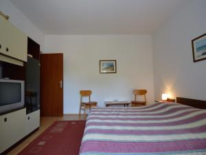 One-Bedroom Apartment in Pula/Istrien 17400, Ferienwohnungen  Veruda - big - 9