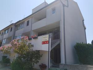Apartmani Bartolic, Apartments  Poreč - big - 37
