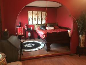 Deluxe Queen Room with Bath