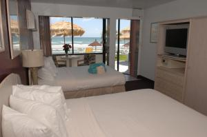 Two-Bedroom Queen Suite - Ocean View