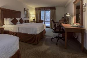 Double Room with Two Double Beds with River View - Non smoking