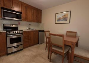 Double Room with Two Double Beds with Kitchenette - Non Smoking