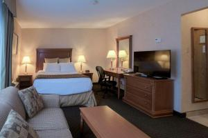 Queen Room with River View - Non smoking