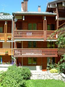 Lo Toumel, Apartments  Val d'Isère - big - 33