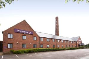 Premier Inn Leeds South (Birstall) in Leeds, West Yorkshire, England