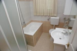 Apartment Brodarica 4194e, Appartamenti  Brodarica - big - 5