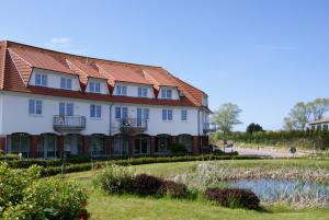 Rondell an der Jasmund-Therme Neddesitz, Apartments  Neddesitz - big - 1