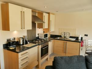Tewitfield Marina, Apartmanok  Carnforth - big - 6