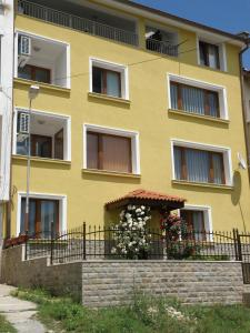 Apartments Kaloyan, Apartments  Veliko Tŭrnovo - big - 47